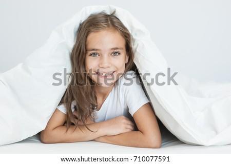 Porträt · weiblichen · kid · schauen - stock foto © lopolo