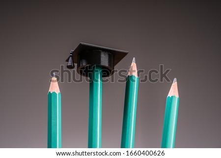 Collège graduation chapeau crayon photo argent Photo stock © AndreyPopov