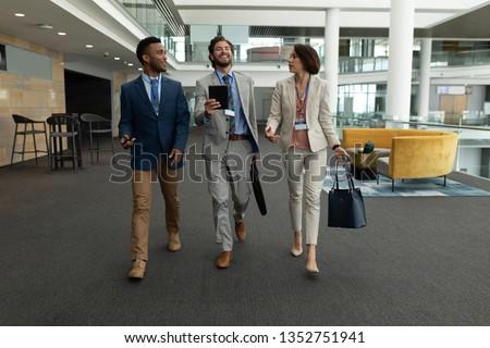 Elöl kilátás több nemzetiségű üzletemberek egyéb asztal Stock fotó © wavebreak_media