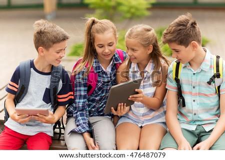 boldog · lány · táblagép · számítógép · kint · technológia · internet - stock fotó © dolgachov