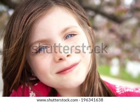 Kislány játék kívül szél virág család Stock fotó © Lopolo