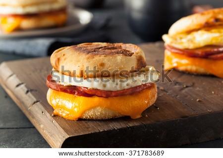 English focaccina colazione pancetta uovo formaggio Foto d'archivio © kitch