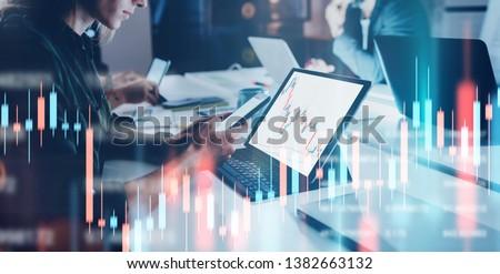 Laptop számítógép bitcoin szimbólum képernyő pénzügy üzlet Stock fotó © dolgachov