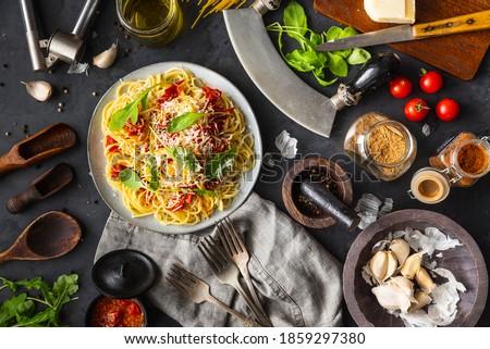 спагетти · Ингредиенты · пасты · базилик · томатный - Сток-фото © YuliyaGontar