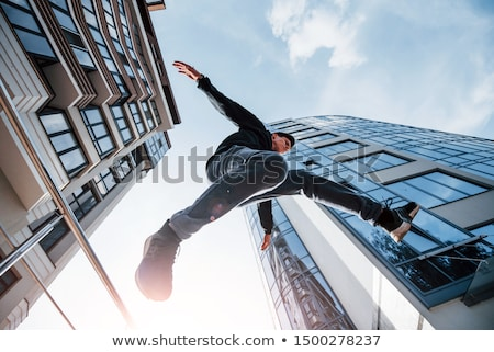 Giovane acrobazie arte palestra studio Foto d'archivio © EdelPhoto