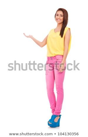 egészalakos · fiatal · nő · lezser · ruházat · nyugodt · póz - stock fotó © feedough