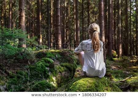 portret · mooie · zakenvrouw · vragen · stilte · witte - stockfoto © hsfelix