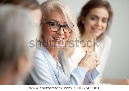 megbeszélés · terv · portré · kettő · fiatal · nők · munkahely - stock fotó © boggy