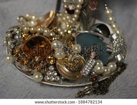 Prata traje jóias cadeias diferente Foto stock © juniart