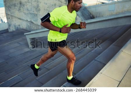 Obraz młodych człowiek odzież sportowa uruchomiony Zdjęcia stock © deandrobot