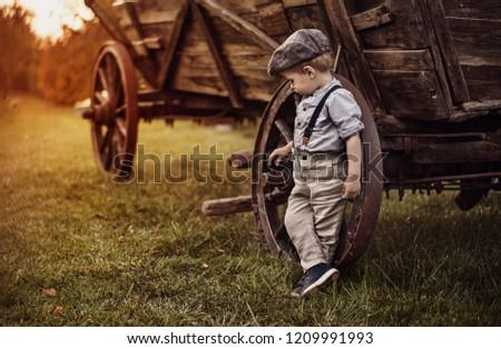 portré · aranyos · kicsi · fiú · retró · stílus · autentikus - stock fotó © zurijeta