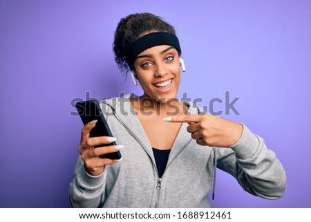 vrouw · strand · slank · meisje · permanente · Maakt · een · reservekopie - stockfoto © dolgachov