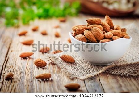 Organisch amandelen geheel groep witte Stockfoto © bdspn