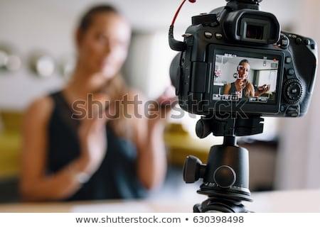 Vrouwelijke schoonheid blogger video make-up Stockfoto © dolgachov