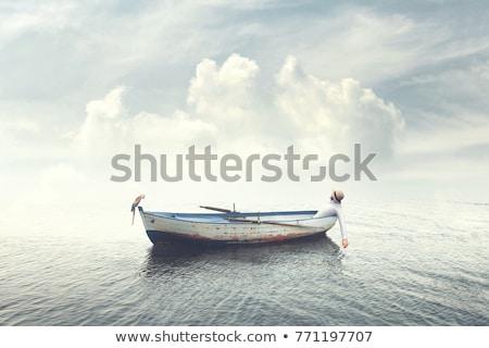 Stok fotoğraf: Kürek · çekme · tekne · deniz · eski · beyaz · mavi