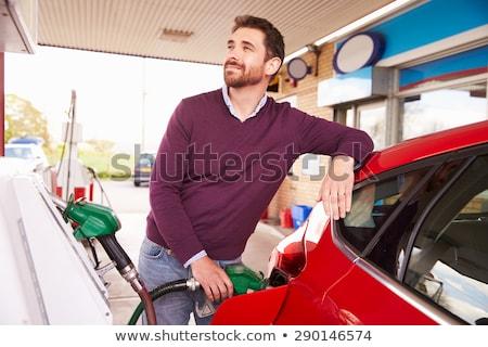 posto · de · gasolina · bombear · enchimento · gasolina · verde · carro - foto stock © filmstroem