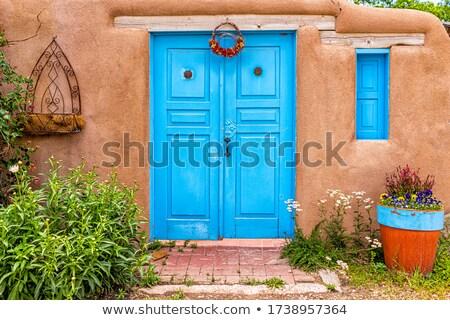 Okno pomarańczowy ściany kolonialny stylu tekstury Zdjęcia stock © emattil