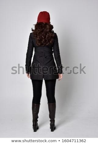 Morena moda modelo cinza casaco para trás Foto stock © gromovataya