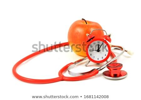 Médico escuta maçãs batida de coração médico maçã Foto stock © photography33