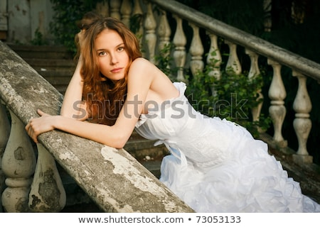 menyasszonyok · szépség · fiatal · nő · esküvői · ruha · bent · gyönyörű - stock fotó © bezikus