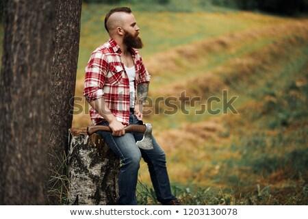 boscaiolo · ax · grave · adulto · barbuto · uomo - foto d'archivio © deandrobot