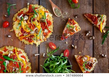 pizza · paradicsomok · mozzarella · bazsalikom · házi · készítésű · felső - stock fotó © georgemuresan