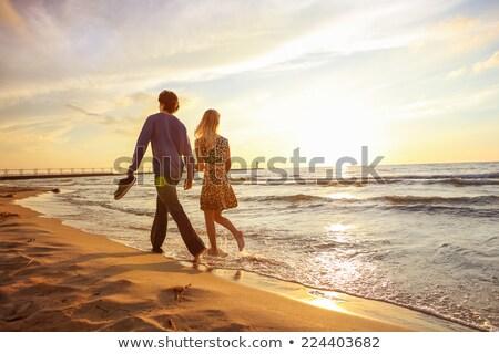 Homem mulheres caminhada pier barco cor Foto stock © IS2