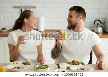 yetişkin · adam · yeme · taze · meyve · salata · gıda - stok fotoğraf © konradbak