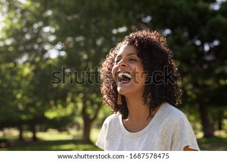Açık eğlence dikey görüntü mutlu arkadaşlar Stok fotoğraf © pressmaster
