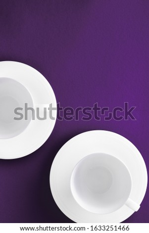 Blanche arts de la table vide tasse pourpre Photo stock © Anneleven