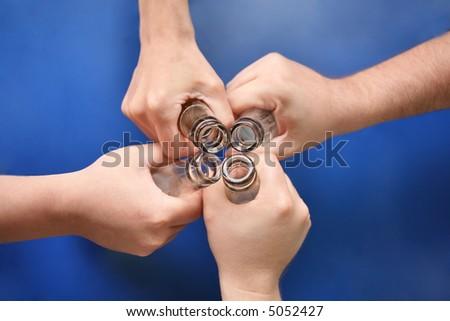 Stockfoto: Vier · handen · flessen · bier · hand · gezondheid