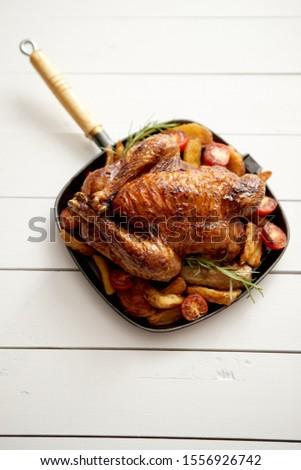 ızgara bütün tavuk siyah tava Stok fotoğraf © dash