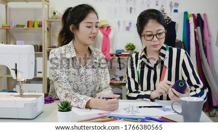 女性 · 作業 · ファッションデザイン · スタジオ · 肖像 · 小さな - ストックフォト © freedomz