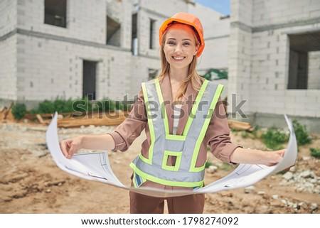 Ingeniero dibujo la eficiencia energética signo Foto stock © photography33
