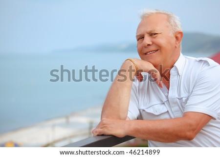 Gülen kıdemli plaj adam güzellik okyanus Stok fotoğraf © Paha_L