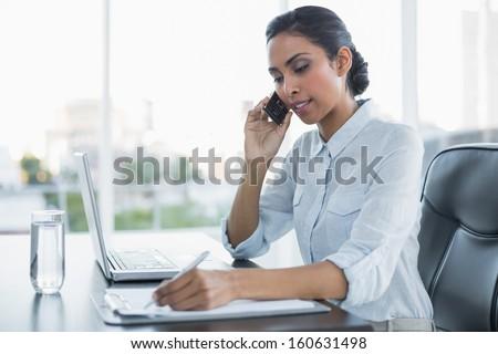 Grave mujer de negocios sesión oficina sala de espera Foto stock © diego_cervo