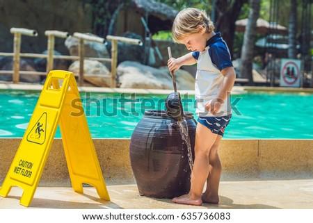 Jongen voeten zand rond zwembad Vietnam Stockfoto © galitskaya