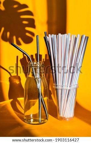 Aço potável vs descartável amarelo zero Foto stock © galitskaya