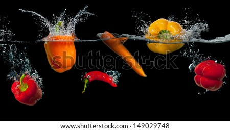 Rijp Rood vers tomaten waterdruppels geïsoleerd Stockfoto © vkstudio