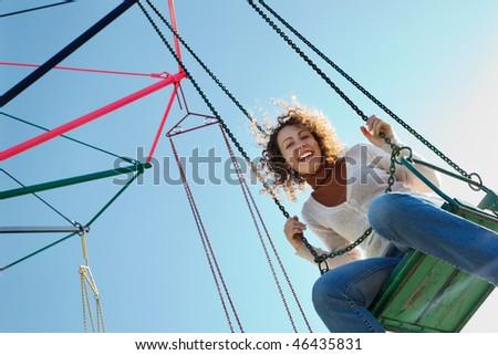 Charmant meisje drive rotonde park bodem Stockfoto © Paha_L