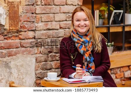 jungen · weiblichen · Hände · halten · Notebook - stock foto © pressmaster