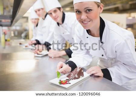 Grupo chefs delicioso sobremesas prato hotel Foto stock © wavebreak_media
