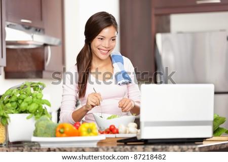Portrait femme recette internet portable Photo stock © wavebreak_media