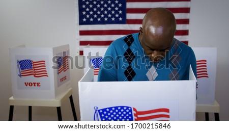 férfi · szavazás · választások · zászló · szavazócédula · doboz - stock fotó © vepar5