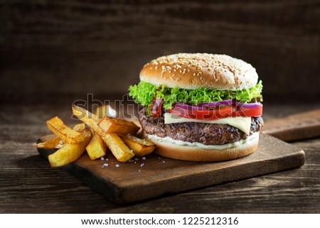 自家製 ハンバーガー 新鮮な野菜 フライドポテト ドリンク クローズアップ ストックフォト © Kayco