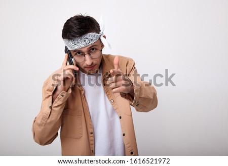 Keret engem fiatal nő készít kulcs kézmozdulat Stock fotó © hsfelix