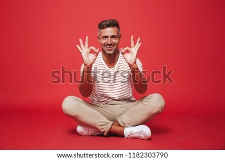 Görüntü avrupa adam 30s çizgili tshirt Stok fotoğraf © deandrobot