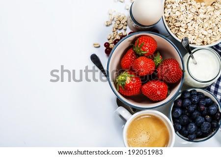 egészséges · reggeli · fehér · tálak · friss · granola - stock fotó © illia