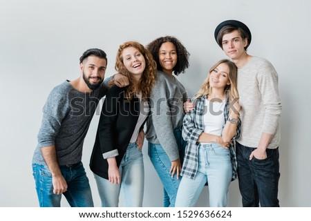 Bella ragazze adolescenti tempo insieme Foto d'archivio © pressmaster