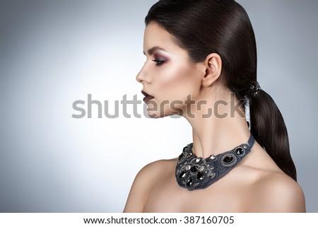 beautiful · girl · enfumaçado · olhos · lábios · vermelhos · cigarro - foto stock © svetography